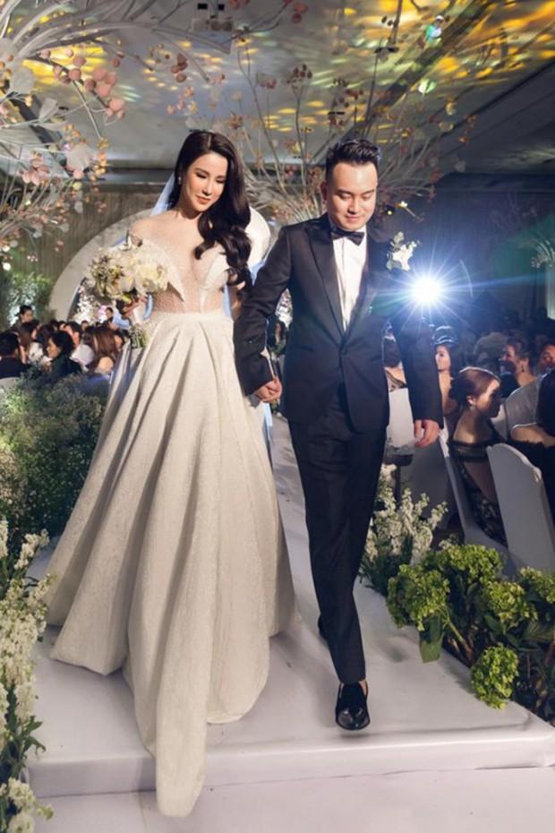 Sao Việt thay váy cưới như chạy show: Đàm Thu Trang đổi liền 3 bộ nhưng còn có người thay liền 5 bộ chỉ trong 1 ngày - Ảnh 13.