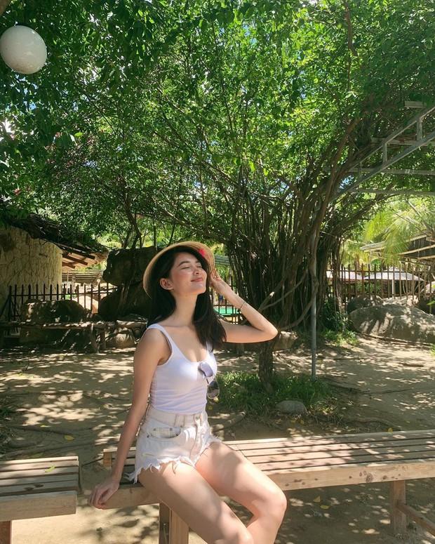 Á hậu Thùy Dung kín tiếng quá nên suýt nữa chị em đã bỏ lỡ một hình mẫu mặc đẹp lý tưởng - Ảnh 16.