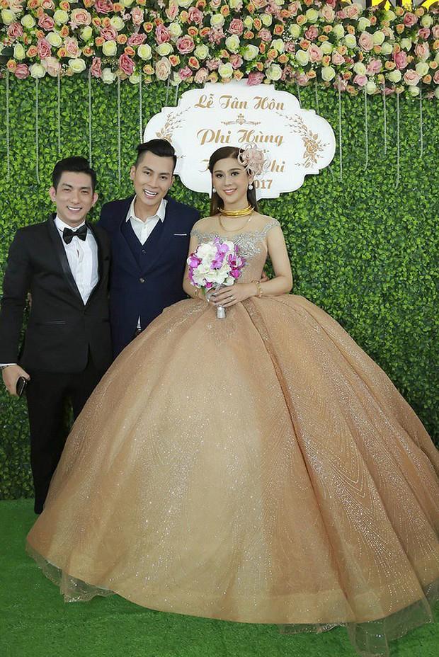 Sao Việt thay váy cưới như chạy show: Đàm Thu Trang đổi liền 3 bộ nhưng còn có người thay liền 5 bộ chỉ trong 1 ngày - Ảnh 17.
