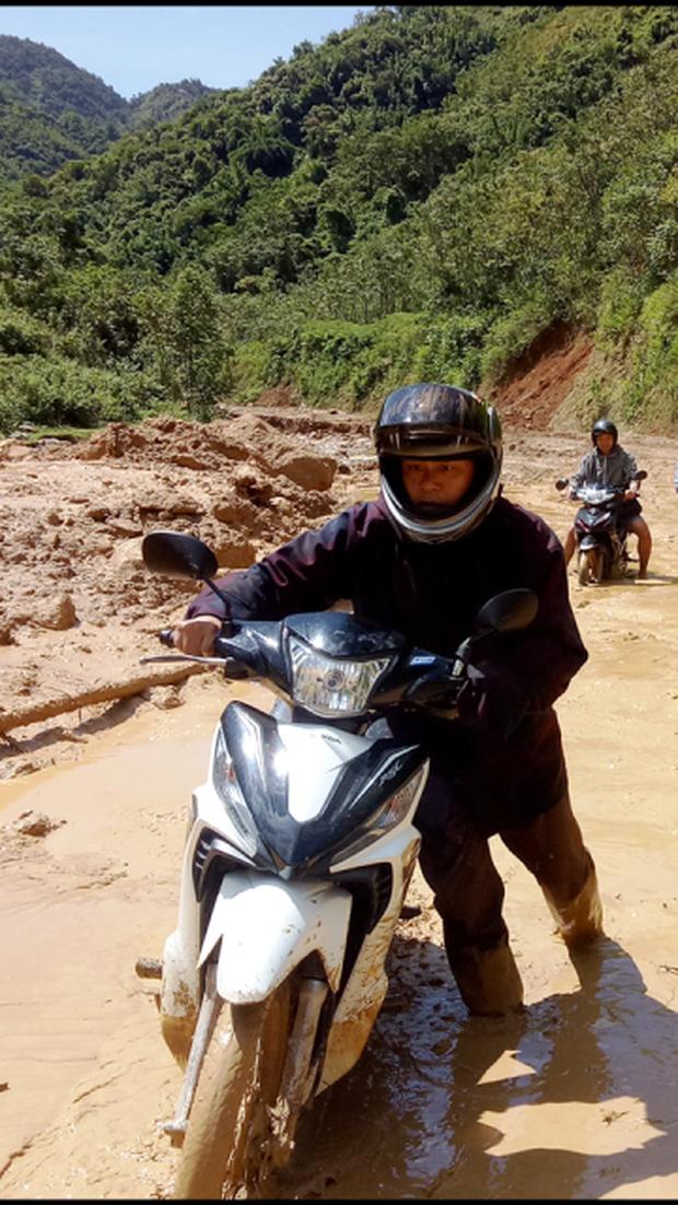 Thanh Hóa: Cận cảnh cung đường đến trường của giáo viên sau mưa lũ ở Mường Lát - Ảnh 3.