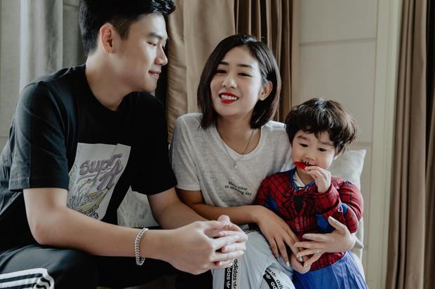 """Chuyến đi đặc biệt của Trang Lou - Tùng Sơn: """"Có bé Xoài cùng du lịch, vợ chồng mình hiểu được ý nghĩa của gia đình"""" - Ảnh 4."""