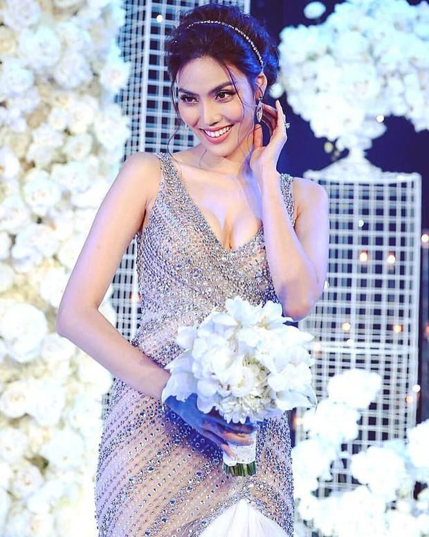 Sao Việt thay váy cưới như chạy show: Đàm Thu Trang đổi liền 3 bộ nhưng còn có người thay liền 5 bộ chỉ trong 1 ngày - Ảnh 6.