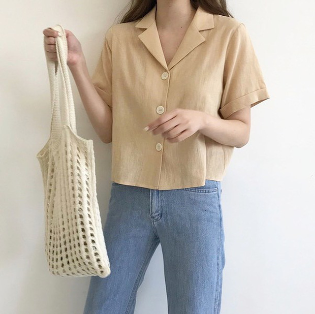 """Hội sành mốt phải tìm mua ngay áo blouse lửng vì vừa đẹp lại """"hack dáng"""" ảo diệu - Ảnh 7."""