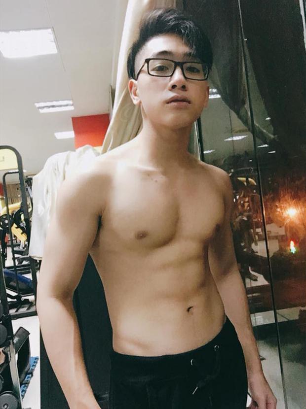 Tình mới của Linh Ka trong MV đang #1 trending YouTube: Sinh năm 2001, body 6 múi và được ví như bản sao của hot boy Ba Duy - Ảnh 6.