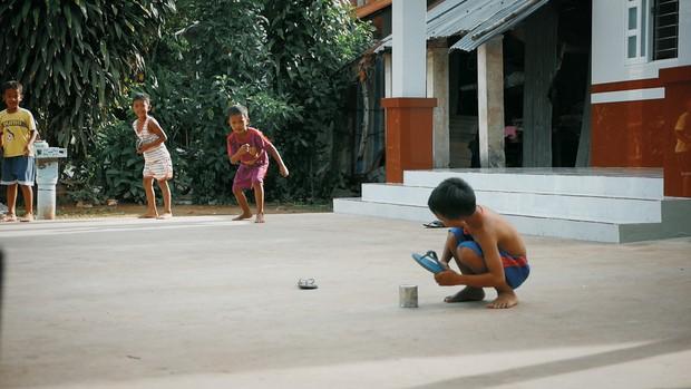 Khoai Lang Thang: Điều Khoai mong muốn sau hành trình này là con trẻ được vui chơi và bồi đắp tâm hồn trên chính mảnh đất quê hương - Ảnh 4.