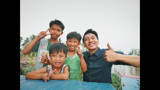 Khoai Lang Thang: Điều Khoai mong muốn sau hành trình này là con trẻ được vui chơi và bồi đắp tâm hồn trên chính mảnh đất quê hương - Ảnh 3.