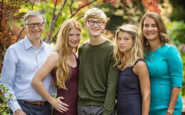 """3 câu hỏi tỷ phú Bill Gates đặt ra cho mình ở tuổi 63: """"Thước đo lường"""" của sự thành công và chất lượng sống! - Ảnh 1."""