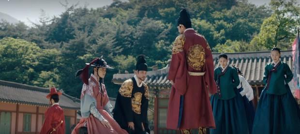 Tân Binh Học Sử Goo Hae Ryung: Chẳng nam chính nào khổ như Cha Eun Woo, vừa bị crush phũ vừa bị cha đối xử cay nghiệt - Ảnh 18.