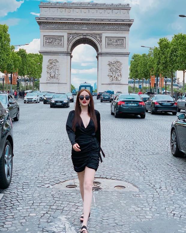 Dù nấm lùn, bạn vẫn thừa sức mặc đẹp và trông cao ráo như Bảo Thy nếu áp dụng 3 tips từ style du lịch của cô - Ảnh 3.