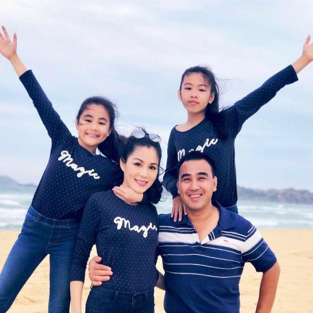 """Bằng một """"nghi thức"""" thời trang, gia đình MC Quyền Linh đã lan tỏa """"virus hạnh phúc"""", ai ngắm cũng thấy vui lây - Ảnh 6."""