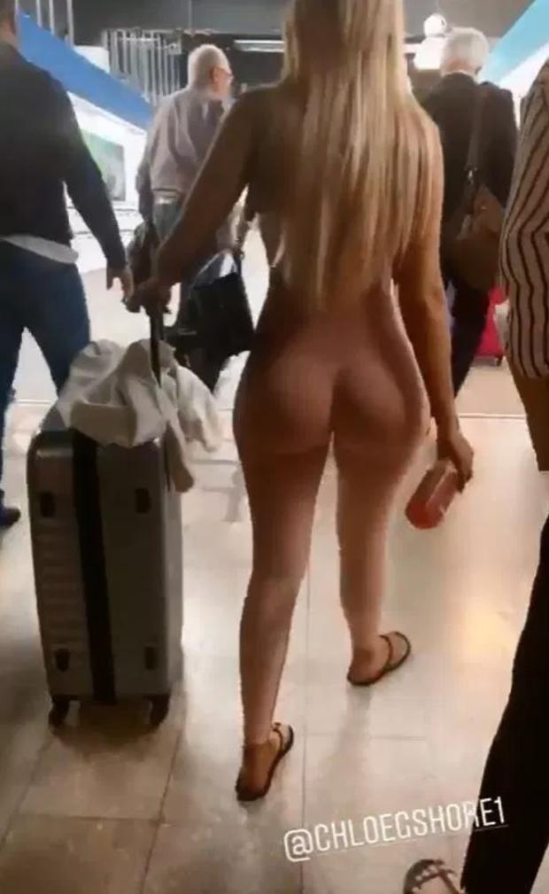 Sốc trước hình ảnh quả bom sex nước Anh nude hoàn toàn sải bước tự tin tại sân bay, nhìn kỹ mới tá hỏa - Ảnh 1.
