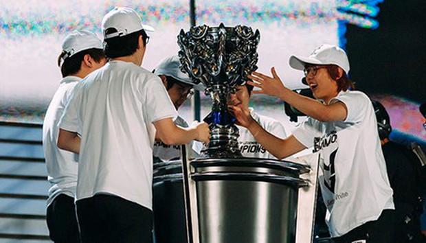 Nhìn lại chặng đường 7 năm của Liên Minh Huyền Thoại: Từ trò chơi mới nổi cho đến bộ môn Esports được người Việt yêu thích nhất - Ảnh 9.