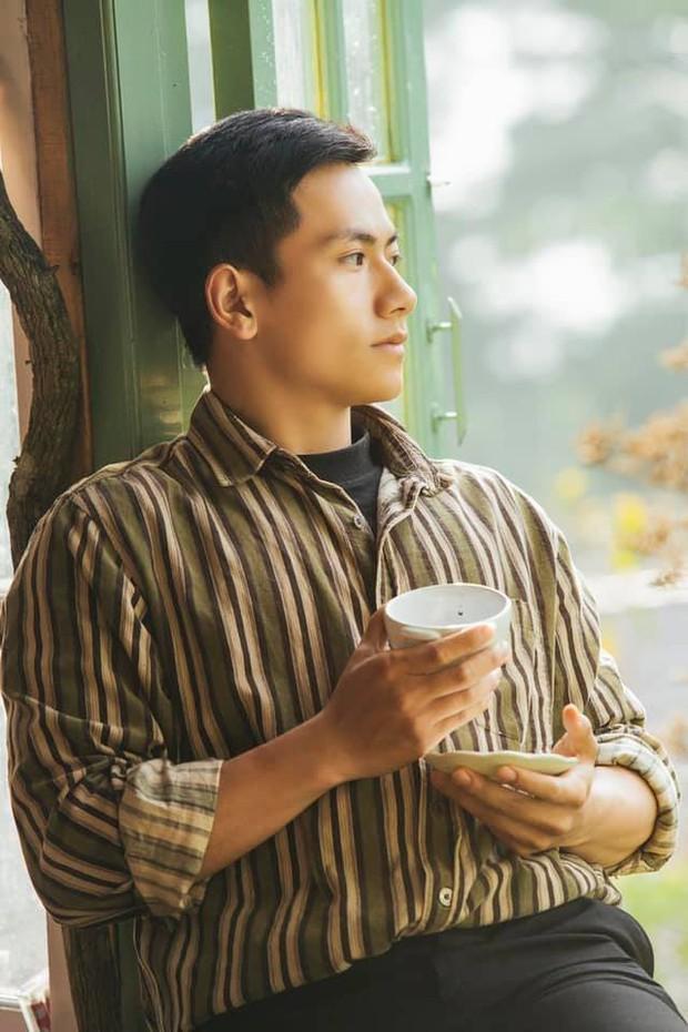 Thầy giáo trẻ sinh năm 1997 ở Đà Lạt gây sốt với body 6 múi cuồn cuộn: Đẹp trai, cơ bắp thế này ai mà chẳng thích đi học! - Ảnh 3.