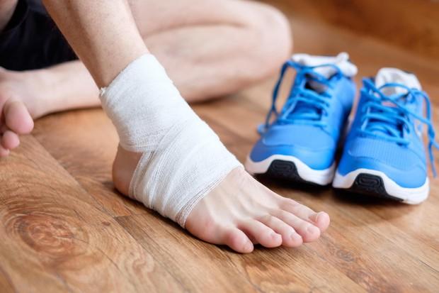 Đột nhiên sưng to mắt cá chân có thể là do những nguyên nhân sức khỏe mà bạn chẳng ngờ tới - Ảnh 4.