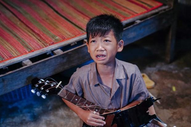 5 sao nhí ấn tượng của phim Việt: Thích hát hay có bé Cu (Anh Thầy Ngôi Sao), mê đáng yêu có Củ Gừng (Về Nhà Đi Con)! - Ảnh 2.