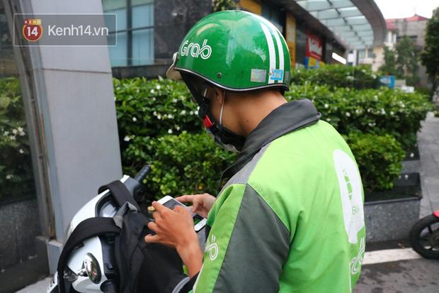Chạy Grab kiếm 30 triệu/tháng, nam sinh Hà Nội tiết lộ những mặt tối phía sau chuyện bùng hàng cùng hiểm nguy chết người của nghề xe ôm công nghệ - Ảnh 2.