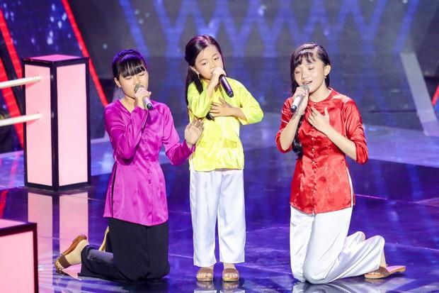 Giọng hát Việt nhí: Lưu Thiên Hương run chân đứng không nổi khi làm mới hai ca khúc của Diva cho học trò - Ảnh 9.