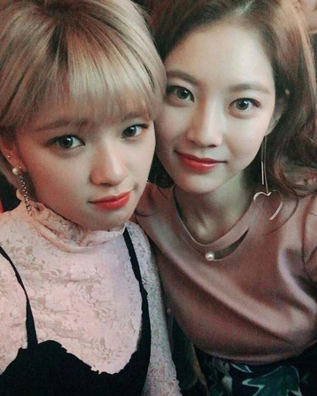 Nữ diễn viên họ Gong lần đầu hé lộ thu nhập quá chênh so với em gái Jungyeon (TWICE), thái độ bố mẹ gây chú ý lớn - Ảnh 4.