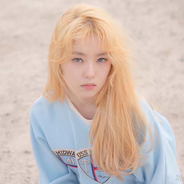 Idol Hàn đeo lens sáng màu: xuất sắc có Irene, Jennie... còn giống ma sói nhất là Hwasa, Hyuna - Ảnh 5.