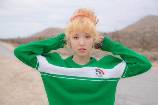 Idol Hàn đeo lens sáng màu: xuất sắc có Irene, Jennie... còn giống ma sói nhất là Hwasa, Hyuna - Ảnh 6.