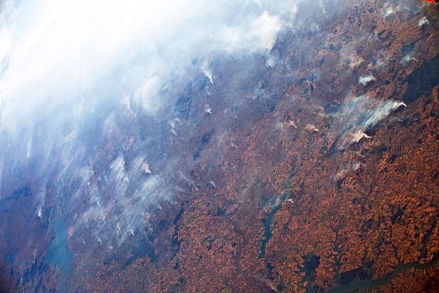 """Amazon không """"đơn độc"""", cả hành tinh oằn mình trong những đám cháy dữ dội - Ảnh 2."""