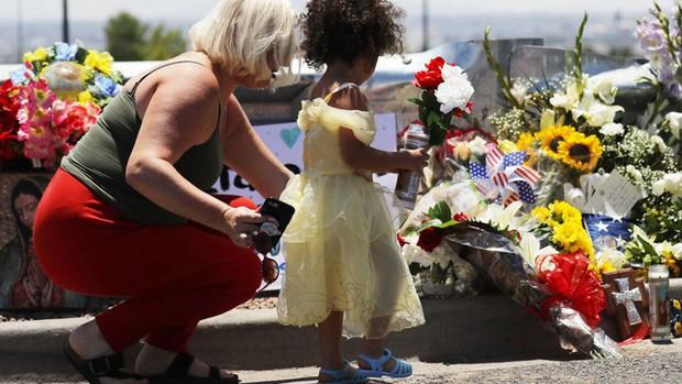 Xả súng khiến hơn 20 người thương vong ở Mỹ - Ảnh 1.