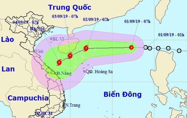 Áp thấp nhiệt đới trên Biển Đông có khả năng mạnh lên thành bão và hướng vào miền Trung - Ảnh 1.