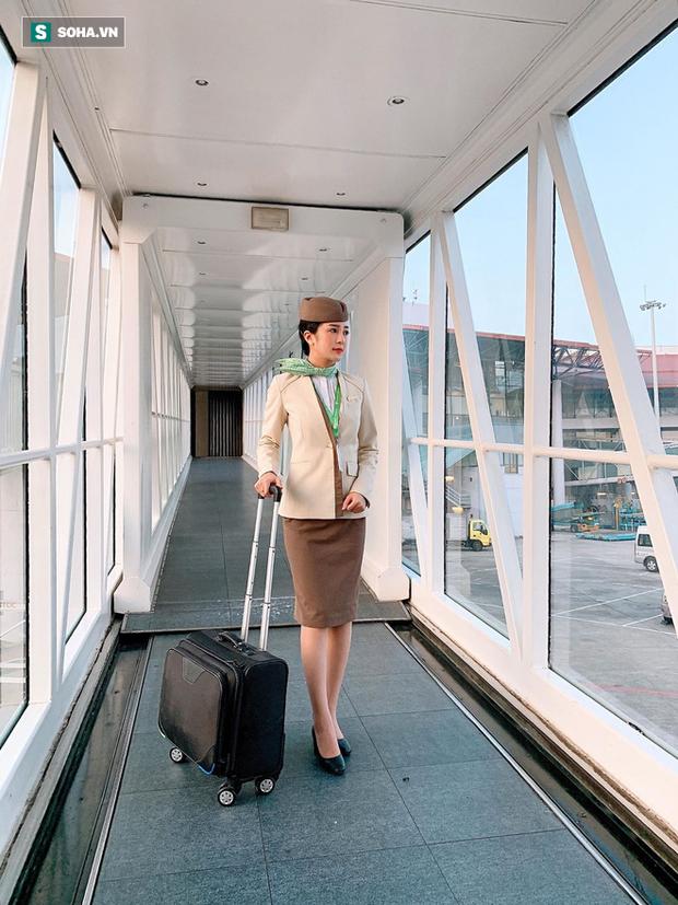Tiếp viên hàng không bị quay lén trên máy bay gây xôn xao, tiết lộ thành tích khủng thời đại học - Ảnh 2.