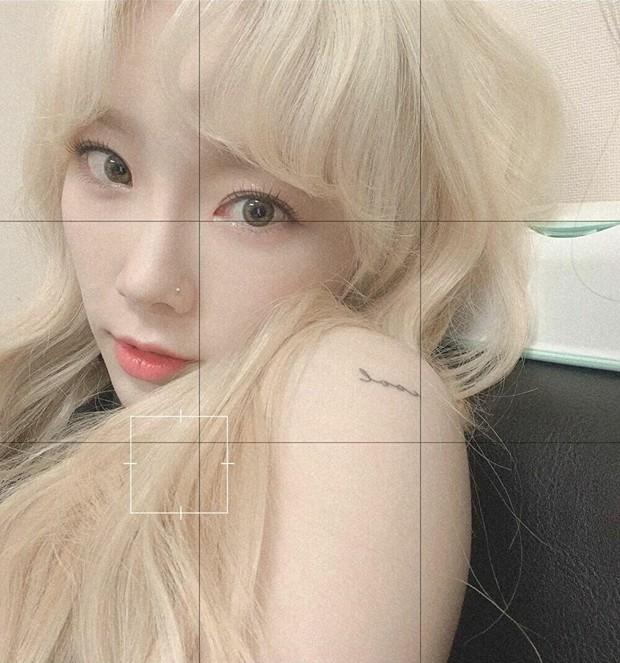 Idol Hàn đeo lens sáng màu: xuất sắc có Irene, Jennie... còn giống ma sói nhất là Hwasa, Hyuna - Ảnh 1.