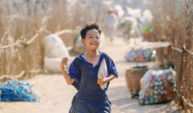 5 sao nhí ấn tượng của phim Việt: Thích hát hay có bé Cu (Anh Thầy Ngôi Sao), mê đáng yêu có Củ Gừng (Về Nhà Đi Con)! - Ảnh 4.