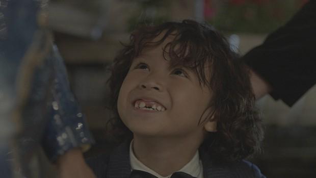 5 sao nhí ấn tượng của phim Việt: Thích hát hay có bé Cu (Anh Thầy Ngôi Sao), mê đáng yêu có Củ Gừng (Về Nhà Đi Con)! - Ảnh 9.