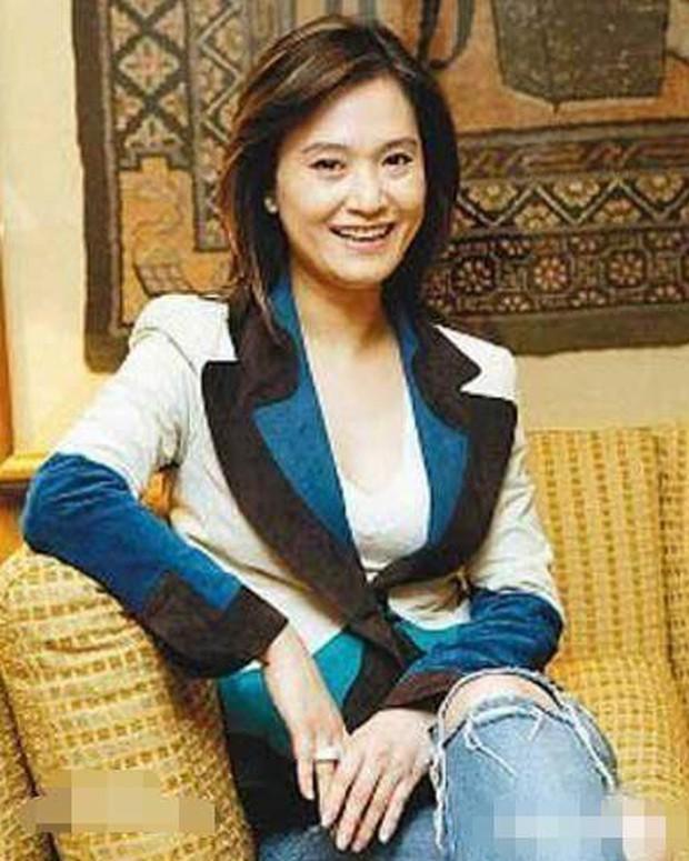 Chuyện nhà đại gia Đài Loan: Sự tự diệt của kẻ thứ ba và màn phản công không thể đùa của bà vợ cao tay sau bao năm chịu đựng chồng ngoại tình - Ảnh 3.