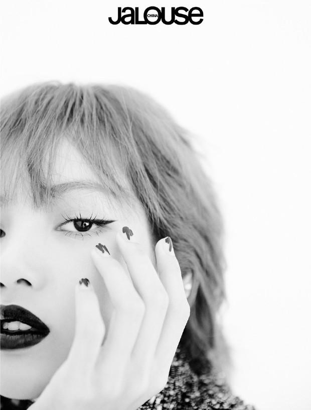 Nín thở trước bộ ảnh mới của BLACKPINK: Visual quá đỉnh, Jennie không còn là center và choáng nhất là Jisoo - Ảnh 7.