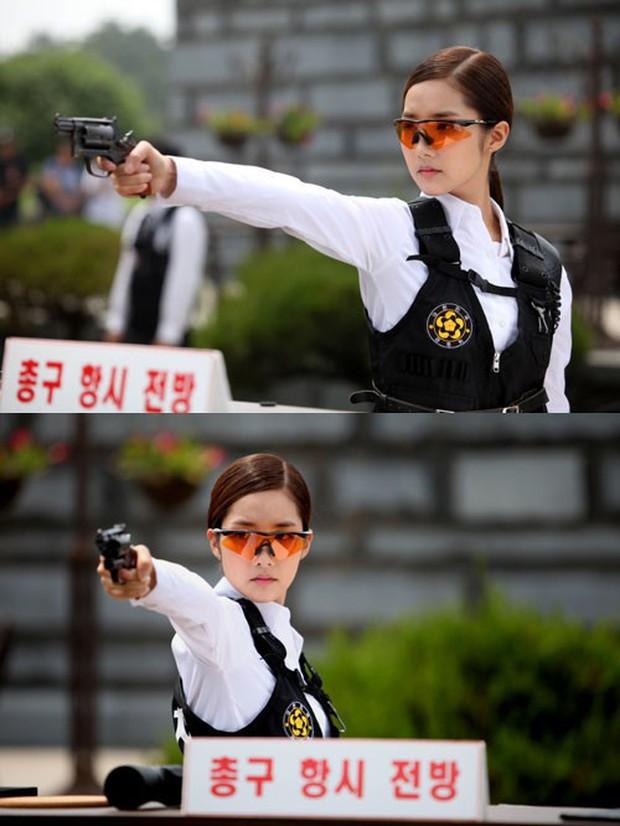 5 đả nữ xinh đẹp lạnh lùng trên phim Hàn: Kim Tae Hee võ công thâm hậu vẫn chưa bằng Soo Ae diệt địch trong phút mốt - Ảnh 11.