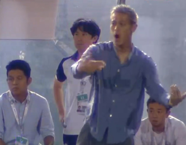 Xót xa nhìn huyền thoại bóng đá Nhật Bản xuống sắc trầm trọng sau vài tháng làm HLV đội tuyển Campuchia - Ảnh 2.
