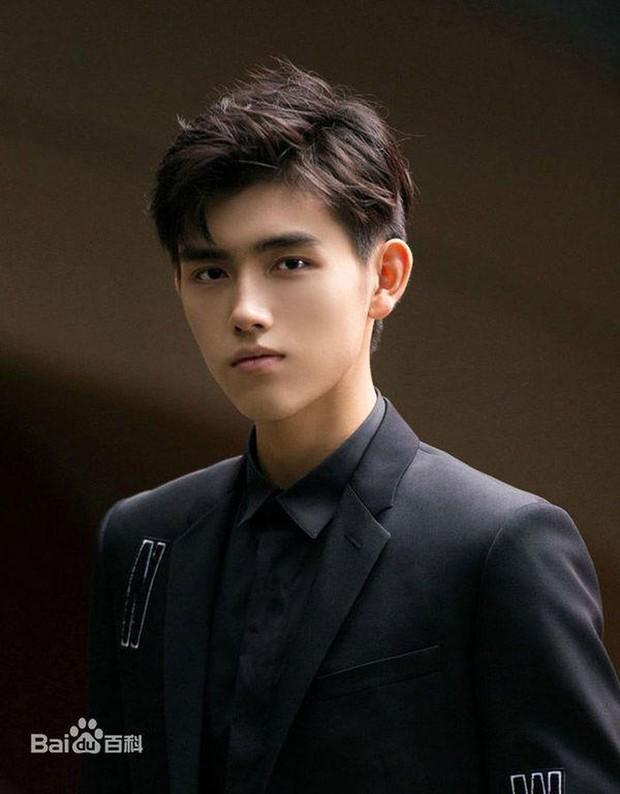 3 nam thần tân sinh viên Học viện Điện ảnh Bắc Kinh: Thiếu gia con nhà nòi không bất ngờ bằng bản sao Song Joong Ki - Ảnh 3.