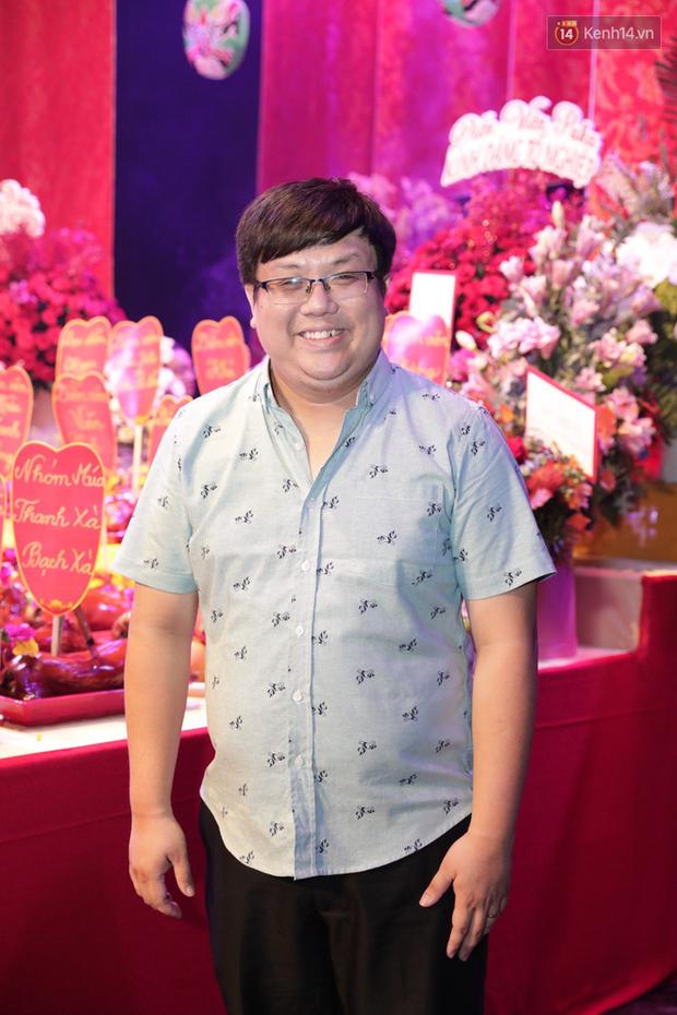 Jun Vũ, Linh Ka xuất hiện rạng rỡ cùng dàn nghệ sĩ thành kính dâng hương cúng Tổ nghề tại sân khấu Thế giới trẻ - Ảnh 7.