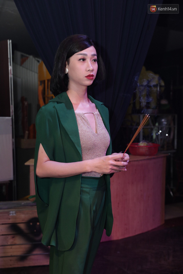 Jun Vũ, Linh Ka xuất hiện rạng rỡ cùng dàn nghệ sĩ thành kính dâng hương cúng Tổ nghề tại sân khấu Thế giới trẻ - Ảnh 5.