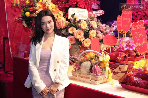 Jun Vũ, Linh Ka xuất hiện rạng rỡ cùng dàn nghệ sĩ thành kính dâng hương cúng Tổ nghề tại sân khấu Thế giới trẻ - Ảnh 13.