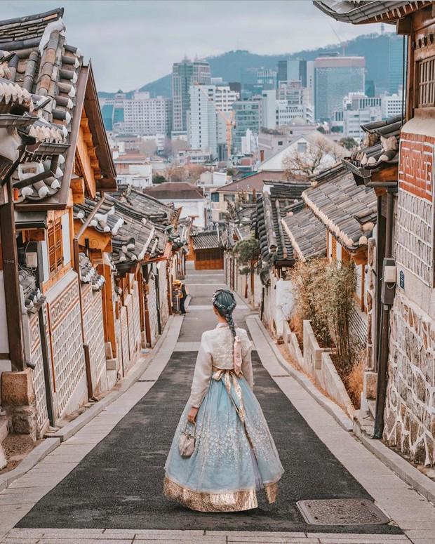 """Nữ travel blogger bị vợ 2 Minh Nhựa """"mượn"""" ảnh để """"sống ảo"""": Hơn 1,3 triệu người theo dõi trên Instagram, hàng xịn nó phải khác! - Ảnh 15."""