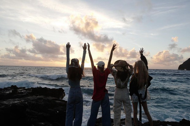 Loạt ảnh film đẹp điên đảo của BLACKPINK ở Hawaii là minh chứng rõ nhất cho việc ai cũng nên sắm một chiếc máy film khi đi du lịch - Ảnh 13.