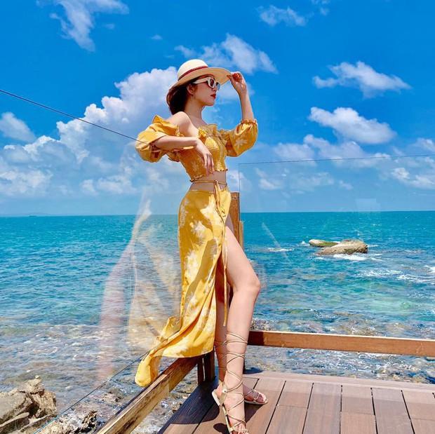Thúy Ngân Gạo nếp gạo tẻ tiếp tục đốt mắt fan trong loạt ảnh diện bikini khoe khéo đường cong siêu quyến rũ - Ảnh 7.