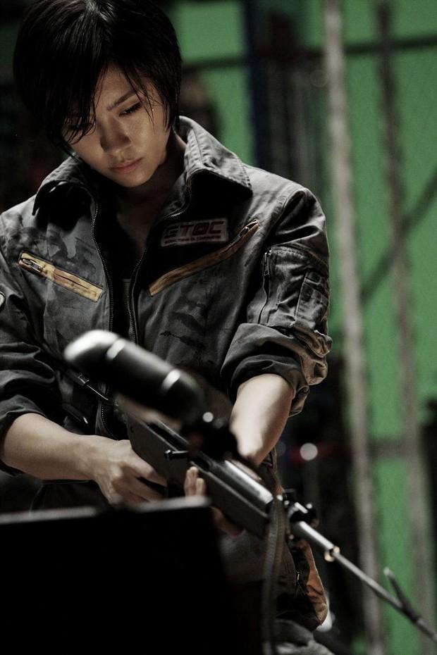 5 đả nữ xinh đẹp lạnh lùng trên phim Hàn: Kim Tae Hee võ công thâm hậu vẫn chưa bằng Soo Ae diệt địch trong phút mốt - Ảnh 5.
