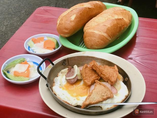 Những biến tấu xuất sắc của bánh mì Việt khắp 3 miền mà ai cũng nên thử ít nhất 1 lần trong đời - Ảnh 9.