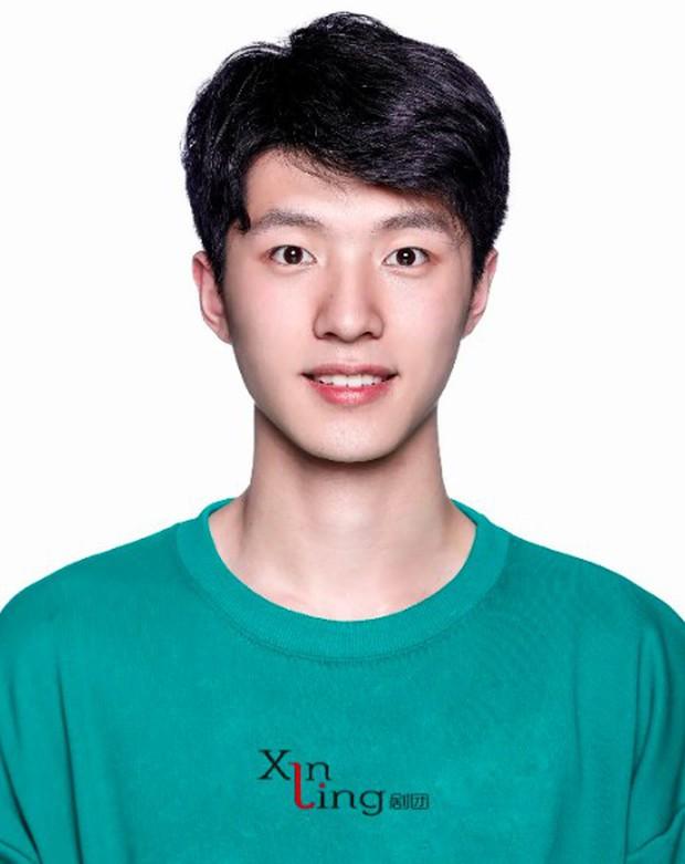 3 nam thần tân sinh viên Học viện Điện ảnh Bắc Kinh: Thiếu gia con nhà nòi không bất ngờ bằng bản sao Song Joong Ki - Ảnh 8.