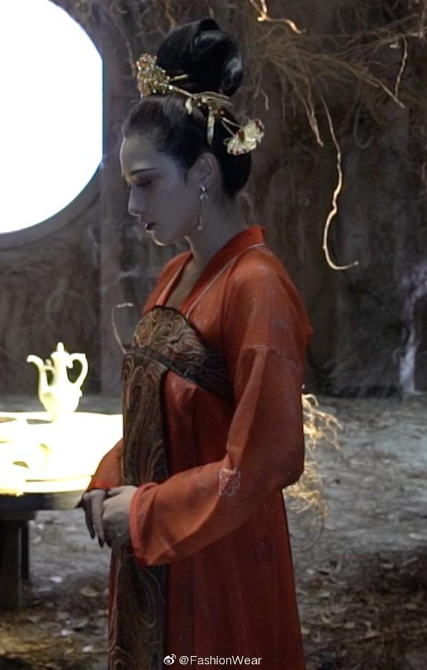 Gà cưng của Phạm Băng Băng - Bành Tiểu Nhiễm được khen vì màn hoá thân Yêu Miêu không thua đàn chị - Ảnh 5.