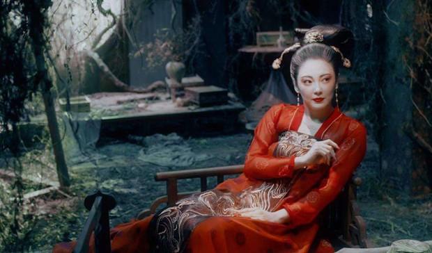 Gà cưng của Phạm Băng Băng - Bành Tiểu Nhiễm được khen vì màn hoá thân Yêu Miêu không thua đàn chị - Ảnh 9.