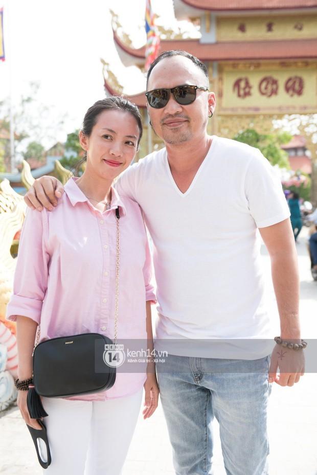 Vợ chồng Hoài Lâm, Trấn Thành cùng dàn nghệ sĩ tề tựu tại nhà thờ của nghệ sĩ Hoài Linh dâng hương cúng tổ nghiệp - Ảnh 17.