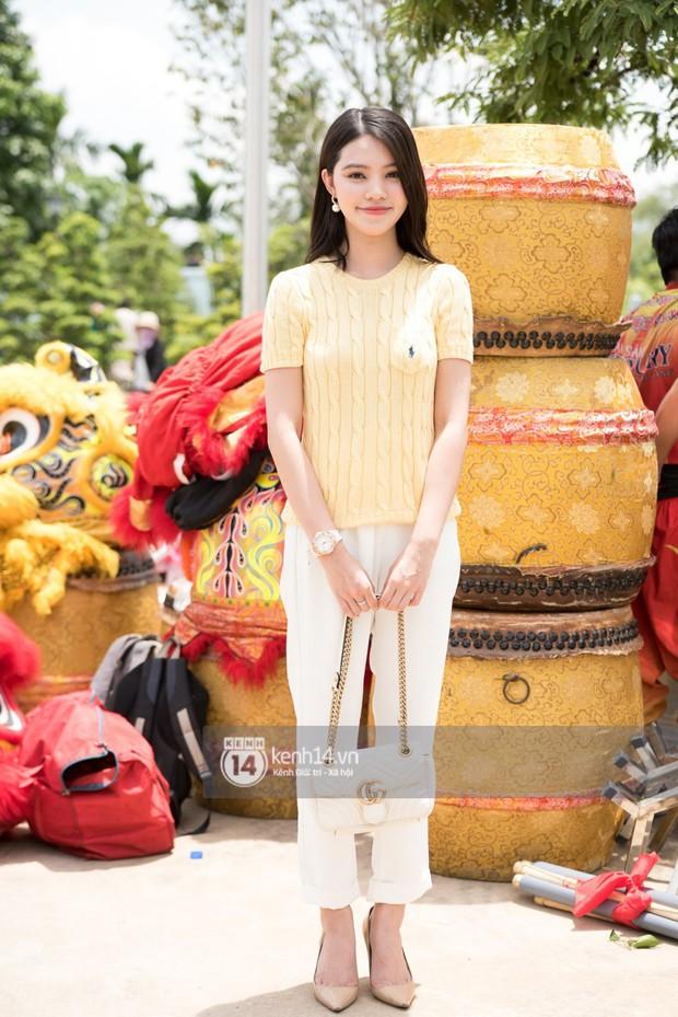 Vợ chồng Hoài Lâm, Trấn Thành cùng dàn nghệ sĩ tề tựu tại nhà thờ của nghệ sĩ Hoài Linh dâng hương cúng tổ nghiệp - Ảnh 21.