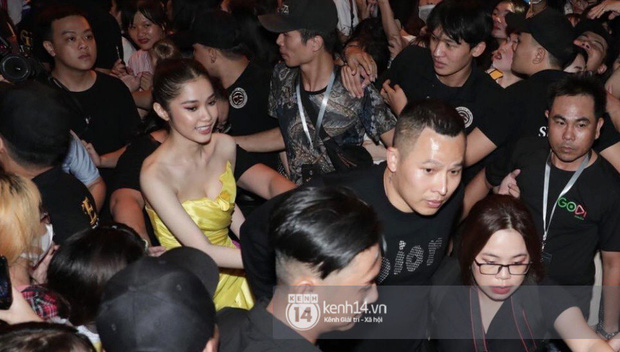 Phía Diệp Lâm Anh thông báo Ji Chang Wook đã ra sân bay, Chi Pu và dàn sao Việt vất vả len lỏi giữa nghìn người vào sự kiện - Ảnh 5.